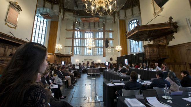 Suasana Pengadilan Rakyat Internasional Terkait Peristiwa G30S/PKI di Den Haag, Belanda, Selasa (10/11/2015). (Foto: AP)